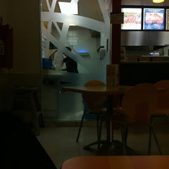Photo taken at Domino's Pizza by Perla C. on 1/4/2013
