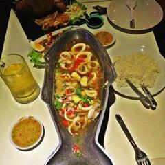 Photo taken at ThonBuri Garden Bar & Restaurant by Supasan C. on 11/20/2012