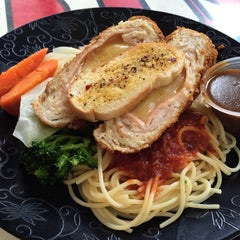 Photo taken at Happy Chef Western Food by Alex O. on 4/6/2015
