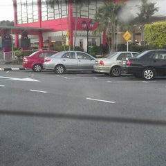 Photo taken at R&R Dengkil (South Bound) by Umarul A. on 12/20/2012