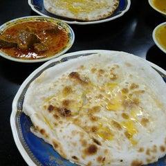Photo taken at Restoran Shahira by Twinkle S. on 3/31/2014