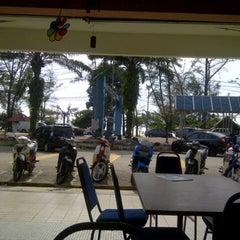Photo taken at Pantai Seri Cahaya Port Dickson by mady on 1/6/2013