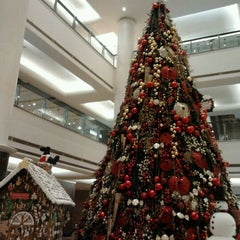 Photo taken at Plaza Indonesia by Ruthlianita F. on 11/28/2012