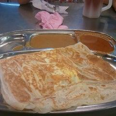 Photo taken at Restoran Khaleel by Erinque S. on 1/14/2013