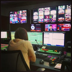 Photo taken at BBC Broadcasting House by Yuri Z. on 5/23/2013