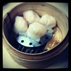 Photo taken at Wai Ying Fastfood (嶸嶸小食館) by Jon J. on 3/25/2013