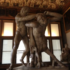 Photo taken at Galleria degli Uffizi by Anelise P. on 4/1/2013