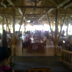 "Photo taken at Gubug Makan ""Mang Engking"" by Wuakwaaw on 3/31/2013"