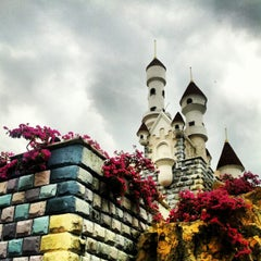 Photo taken at Dream World (ดรีมเวิลด์) by Nattakul Y. on 10/7/2012