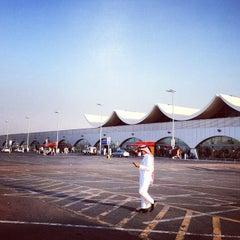 Photo taken at King Abdulaziz International Airport (JED) مطار الملك عبدالعزيز الدولي by Abdullah H. on 12/9/2012