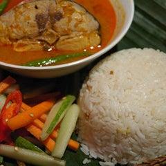 Photo taken at Nasi Dagang Ulik Mayang by ieyna k. on 12/26/2011