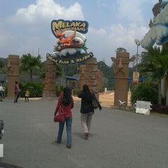 Photo taken at Melaka Wonderland by Norazrina R. on 10/16/2012
