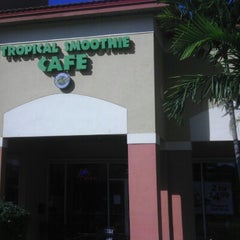 Photo taken at Tropical Smoothie Café by Angelique L. on 1/23/2013