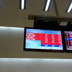 Photo taken at Spincity Bowling Alley by Fadhlan H. on 6/13/2014