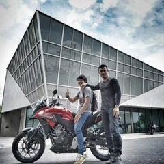Photo taken at Honda Big Wing by Pongtanit S. on 8/22/2015