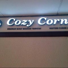 Photo taken at Cozy House Restaurant by Feroz K. on 11/24/2012