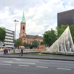 Photo taken at Düsseldorf by Sasha H. on 7/19/2015
