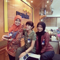 Photo taken at Bank mandiri Klandasan by ayat zainal m. on 8/15/2013