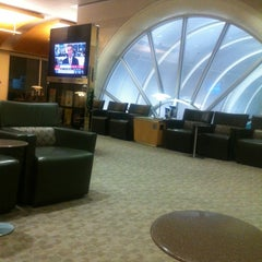 Photo taken at American Airlines Admirals Club by sid b. on 2/26/2013