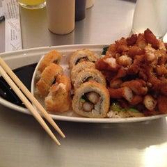 Photo taken at Sushi Hokō-Ki by ADRIANA W. on 4/11/2013
