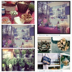 Photo taken at Ferma & Williamsburg grill by Доктор Л. on 5/3/2013