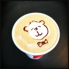 Photo taken at Elite Audio Coffee Bar by Jono S. on 1/26/2013