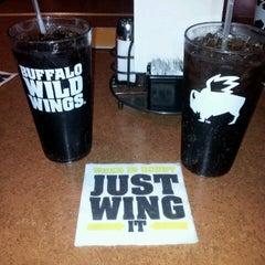 Photo taken at Buffalo Wild Wings by Rosalinda V. on 2/9/2013