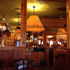 Photo taken at Tahoe Joe's Famous Steakhouse by MaryJean K. on 8/5/2014