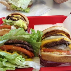 Photo taken at In-N-Out Burger by Kristy W. on 2/2/2013