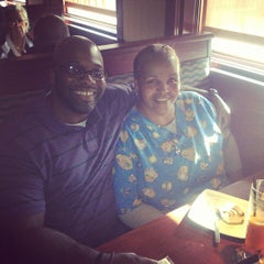 Photo taken at Red Lobster by Tyrone F. on 5/14/2013