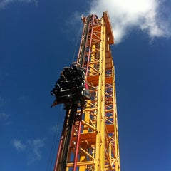 Photo taken at Six Flags Over Georgia by Dwight J. on 8/11/2013