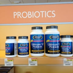 Photo taken at The Vitamin Shoppe by Carlos Q. on 1/8/2013