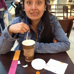 Photo taken at Dunkin' Donuts by Jose H. on 12/21/2014