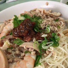 Photo taken at Kim Ky Noodle House by Johnny W. on 12/28/2014