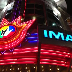 Photo taken at Regal Cinemas Majestic 20 & IMAX by Jeremy P. on 12/13/2012