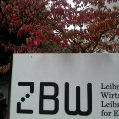Das Foto wurde bei ZBW - Leibniz-Informationszentrum Wirtschaft Kiel von Kai M. am 9/20/2012 aufgenommen