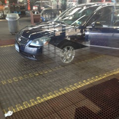 Photo taken at Delta Sonic Car Wash by Uchbutch on 12/14/2012