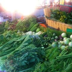 Photo taken at ตลาดแฮ๊ปปี้แลนด์ (Happyland Market) by Saran Y. on 11/19/2014