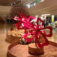 Photo taken at Pacific Place 太古廣場 by Eddie S. on 2/17/2013