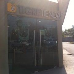 Photo taken at Tigre Tienda by Valdow E. on 1/21/2015