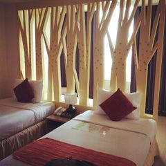 Photo taken at โรงแรมมณีนาราคร (Maninarakorn Hotel) by Dear C. on 7/25/2014