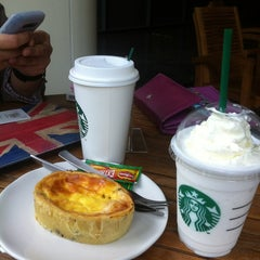 Photo taken at Starbucks by Oktaria K. on 2/26/2013