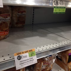 Photo taken at Publix by Kevin L. on 1/5/2014