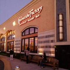 Photo taken at The Cheesecake Factory by Shannon S. on 9/23/2012