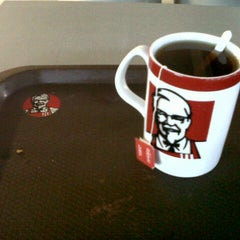 Photo taken at KFC by Maemunah D. on 8/16/2013