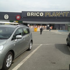 Photo taken at Brico Plan-It by Shany on 6/19/2013