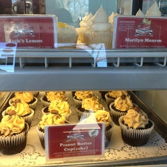 Photo taken at Sugar Mama's Bakeshop by Laudette G. on 3/2/2013