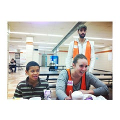 Das Foto wurde bei George Washington High School von John S. am 11/2/2012 aufgenommen