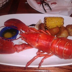 Photo taken at Red Lobster by Ramone W. on 11/29/2012
