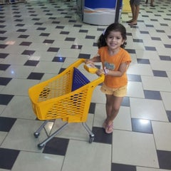 Photo taken at Supermercados Rey by Ricauter N. on 11/8/2012